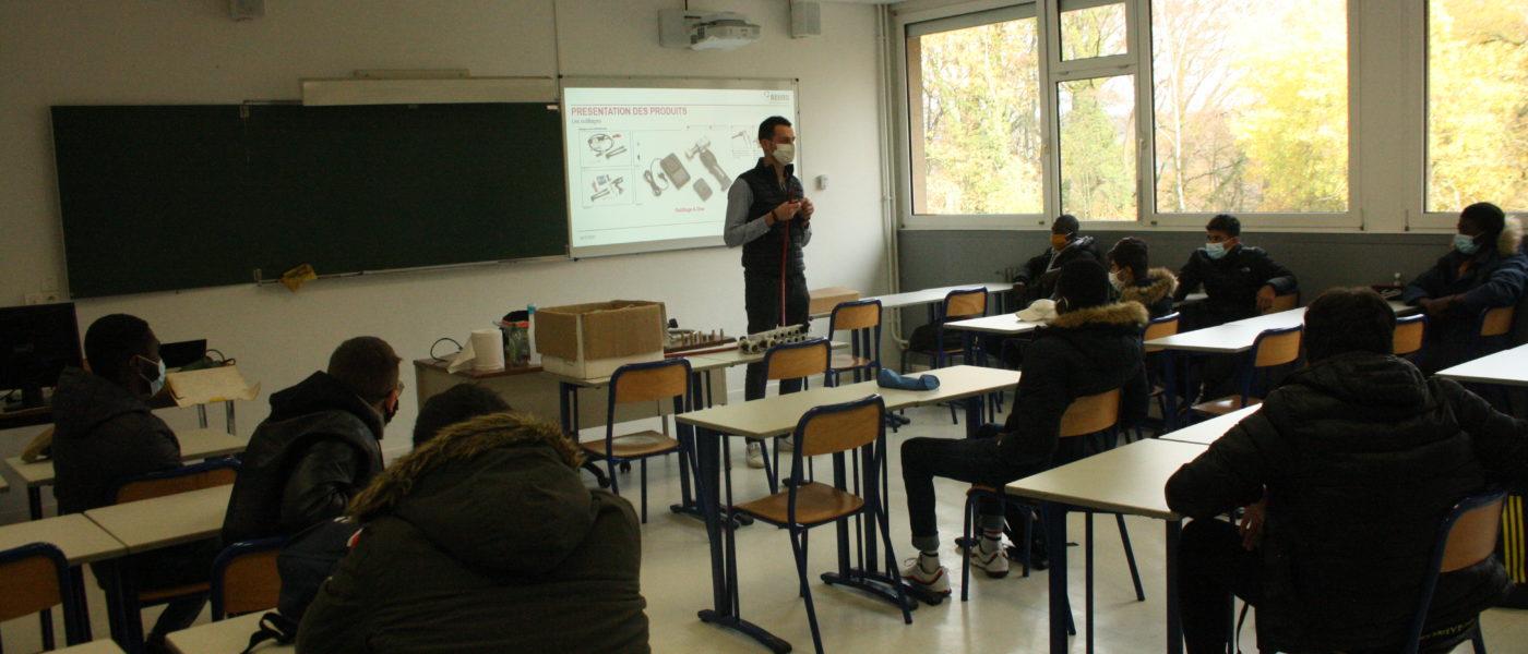Intervention de la société Rehau, auprès des élèves de CAP Installateur Sanitaire